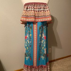 Long off  the shoulder dress size small